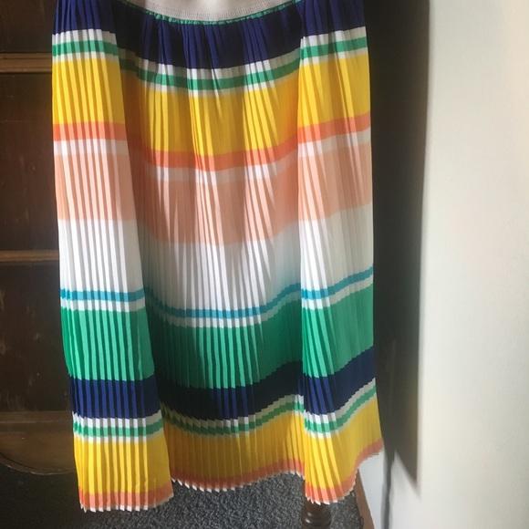 Merona Dresses & Skirts - Mid-length skirt